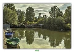 MARAIS AUDOMAROIS - TILQUES (4) (régisa) Tags: garage barque marais tilques audomarois