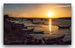 ORLA  DO  POR  DO SOL. (manxelalvarez) Tags: orladopordosol aracajú sergipe brasil solpor pordosol puestadesol nubes cielos paisajes mosqueiro riovazabarris