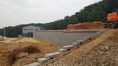 20170629_152436 (cho.cho.cho) Tags: 보강토 보강토옹벽 보강토시공 보강토견적 웅촌보강토 보정개발 retainingwall