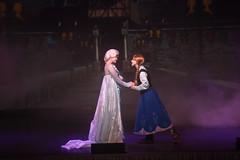 IMG_7499 (Fabiane M. Nunes) Tags: magic magickingdom disney disneyworld elsa frozen le letitgo singing singalong sisters