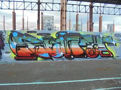 sky masters (en-ri) Tags: reser tots crew rosso arancione verde 17 2017 arrow giallo azzurro torino wall muro graffiti writing parco dora