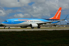G-TAWU (Sunwing Airlines) (Steelhead 2010) Tags: sunwingairlines boeing b737 b737800 fll thomsonairways greg gtawu