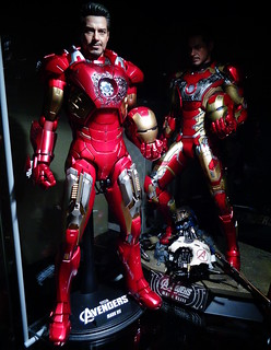 Iron Man Mk VII + XLIII