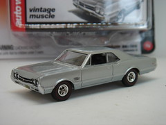 AUTO WORLD 1966 OLDSMOBILE 442 1/64 (ambassador84 OVER 9 MILLION VIEWS. :-)) Tags: autoworld 1966oldsmobile442 diecast oldsmobile