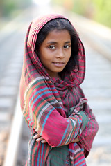 Bangladesh, young girl in Jessore (Dietmar Temps) Tags: asia bangladesch bangladesh younggirl bengali culture ethnic ethnie ethnology girl jessore naturallight outdoor people portrait southasia streetphotography tradition traditional beautifulgirl eyes