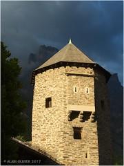 Tour de la Rochelle, Croix des Têtes et Bec de l