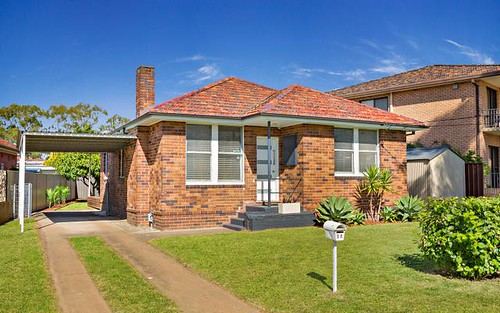 22 Junee Cr, Kingsgrove NSW 2208
