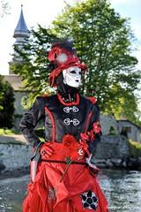 Parade vénitienne Yvoire (joménager) Tags: évènementfête nikonafs24120f4 nikond3 nikonpassion costume costumesvénitiens flash hautesavoie masque vénitien yvoire