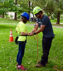 DSC_1268 (Montgomery Parks, MNCPPC) Tags: popupinmontgomeryparks bethesda treeclimbing climbatree tree climbingtrees kids children boys girls arborists elmstreeturbanpark spring may may2017 leaves treetrunks toddler