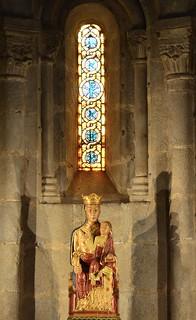 La Mare de Déu de la Seu d'Urgell (s. XIII) a l' absidiola dins de l'absis central:  Catedral de Santa Maria de la Seu d'Urgell, Segle XII, Art Romànic.