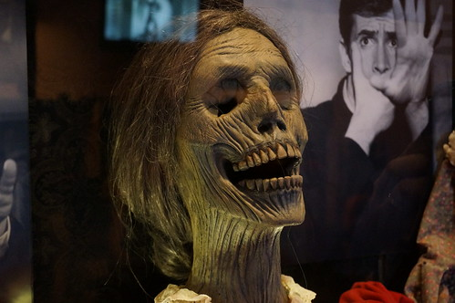 """Universal Studios, Florida: Universal's Horror Make-Up Show • <a style=""""font-size:0.8em;"""" href=""""http://www.flickr.com/photos/28558260@N04/34587979032/"""" target=""""_blank"""">View on Flickr</a>"""