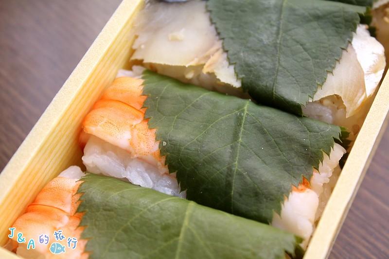 【奈良美食】平宗柿葉壽司(平宗柿の葉ずし)–奈良特色小吃、季節限定櫻葉壽司! @J&A的旅行