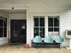Bynum, North Carolina (kellyludwig) Tags: frontporch roadtrip chairs oldbuilding iphone7plusbackdualcamera399mmf18