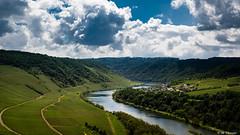 La belle Moselle (Codex IV) Tags: berge bullay fluss fruehling land landscape landschaft mosel moseltal mountain nikond5300 river spring tamron240700 wasser water weinberge sonnig sunny wolkig