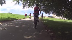 Break at The Hermitage (os♥to) Tags: sony actioncam hdraz1 june2017 video bike bicycle cykel fahrrad bici vélo velo bicicleta fietssykkel rower street candid streetphotography people