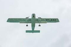 maho-beach-plane-overhead