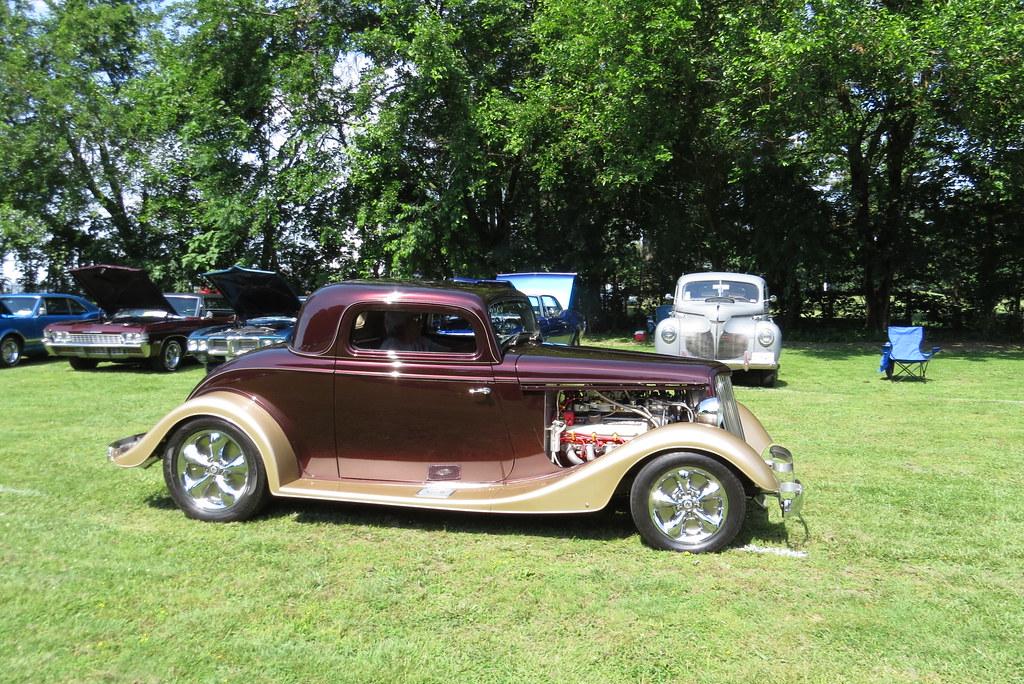 Harvester Park Car Show