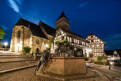 """Marktplatz Wolfhagen mit St. Anna Kirche und """"Alter Wache"""""""