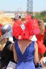 Prix de Diane Longines 2017 (Olivier__B) Tags: prixdedianelongines2017 prixdediane prix longines chapeaux diane chantilly prixlongines prixlongines2017 hat hüte cappelli sombreros prixdediane2017 élégance grandprixdediane femme woman horsesracing