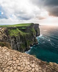 Cliffs of Moher (Blickwinkel Fotoart - Jochen Hayna) Tags: cliffs cliffsofmoher rocks ireland greenisland green drop dangerous adventure moody light turquoise seascape landscape breathtaking nikon d800 rolleic6i tamron 1530mm