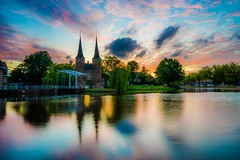 Mixture of pink and blue (View of Delft, Johannes Vermeer) (chenjieyu) Tags: pink blue colour longexposure delft sky water reflection netherlands holland sunset vermeer nature landscape river