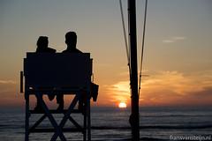 In Love! (fransvansteijn) Tags: rood love ood noordwijk holland couple view golden hour