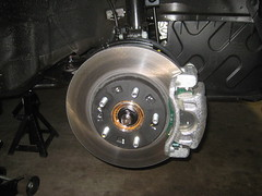 2012-2017 Hyundai Veloster Front Brakes - Rotor, Bracket, Rotor - Changing Brake Pads (paul79uf) Tags: 2012 2013 2014 2015 2016 2017 hyundai veloster front brake pads change changing replace replacing replacement guide howto how diy tutorial instructions steps part number como hacer cambiar frenos do it yourself numero de parte rotor bracket piston slider pins
