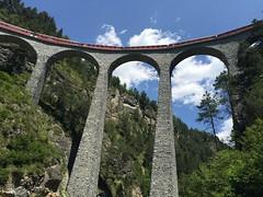 Landwasserviadukt in Filisur (barbarasteinemann) Tags: albulatal albula brücke eisenbahn rhätischebahn suisse graubünden schweiz filisur landwasserviadukt landwasser