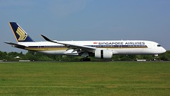 9V-SMG (AnDyMHoLdEn) Tags: singaporeairlines a350 egcc airport manchester manchesterairport 05r