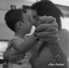 14/365 Family #anasuarez #photography #14 #365 #family #love #hands #365dayphotochallenge #day14 #photographer #fotógrafaprofesional (anasuarez5) Tags: 365dayphotochallenge love family photographer day14 anasuarez 14 photography hands 365 fotógrafaprofesional