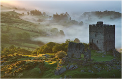 Inversion at Dolwyddelan (Rory Trappe) Tags: dolwyddelan castle snowdonia wales visitwales snowdonianationalpark a470 betwsycoed snowdon eryri dawn inversion landscapephotography welshlandscape trappe