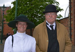 Period costume at Beamish Museum (Snapshooter46) Tags: man woman couple people periodcostume beamishmuseum countrydurham bowlerhat flycollar edwardian