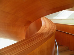 Circular Staircase, Art Gallery of Ontario, Toronto (duaneschermerhorn) Tags: architecture architect modern contemporary laminated wood stairs steps railing rail stairway staircase spiral spiralstaircase circularstaircase modernarchitecture contemporaryarchitecture building structure highrise