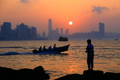 夕陽無限好    Magnificent sunset (C. Alice) Tags: color city water best people sea orange sun sunset boat shadow cloud reflection sky beach seashore 2017 hongkong summer canonef24105mmf4lisusm canoneos6d eos6d canon 24105mm fishing favorites30 saariysqualitypictures aatvl01 1000views ruby10 aatvl02 ruby15