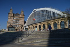 Lime Street Station (CoasterMadMatt) Tags: liverpool2017 liverpool city cities englishcities cityofliverpool liverpoollimestreetstation limestreetstation limestreetrailwaystation limestreet lime street station railwaystation trainstation railway train building structure architecture merseyside northwestengland england britain greatbritain gb unitedkingdom uk april2017 spring2017 april spring 2017 coastermadmattphotography coastermadmatt photos photographs photography nikond3200
