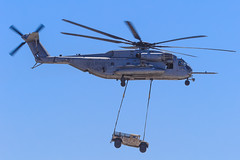 """Sikorsky CH-53E Super Stallion of HMH-466 """"Wolfpack"""" from MCAS Miramar (Norman Graf) Tags: wolfpack 163080 2016mcasmiramarairshow 3rdmaw 3rdmarineaircraftwing airshow aircraft ch53 ch53e hmh466 hmmwv helicopter highmobilitymultipurposewheeledvehicle humvee mag16 mcasmiramar marineaircraftgroup16 marineaviation marineheavyhelicoptersquadron466 marines military rotarywingaircraft rotorcraft sikorsky superstallion usmc unitedstatesmarinecorps vehicle yk08"""