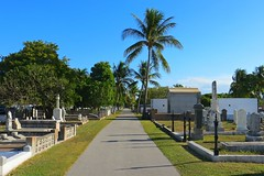 Key West (Florida) Trip 2016 2204Rif 4x6 (edgarandron - Busy!) Tags: florida keys floridakeys keywest cemetery cemeteries keywestcemetery grave graves tomb tombs