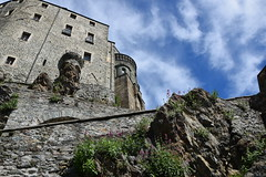 (gmaugeri1992) Tags: piemonte torino fortezza monastero castle castello sacra san michele unesco nikon d3300 photo foto sky clouds rocce rocks mura wall rosa eco spiritualità