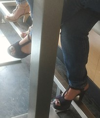 Street feet (660) (♠I Love Feet & Shoes♠) Tags: street sexy feet lingerie tights heels highheels sandali scarpe piedi sandals shoes chaussures pieds sandales schuhe sandalen füse ноги сандалий ботинок туфля pie zapatillas sandalias pés πόδια sapatos παπούτσια sandálias σανδάλια calcanhares каблуки mules huf hoof casco οπλή копыто stockings bas strümpfe medias meias κάλτσεσ чулки sabot pantyhose