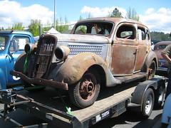 1935 Ford Fordor (Hugo-90) Tags: monroe washington car auto automobile swap meet flea market ford 1935 fordor