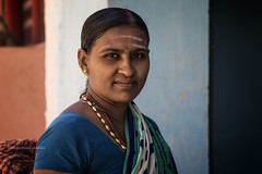 BADAMI : PORTRAIT INDIEN (pierre.arnoldi) Tags: inde india pierrearnoldi badami portraitdefemme portraitindien photoderue photooriginale photocouleur karnataka