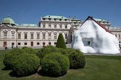 ESEL8954.jpg (eSeL.at) Tags: erwinwurm performativeskulpturen 21erhaus houseattack21 belvedere wien österreich at