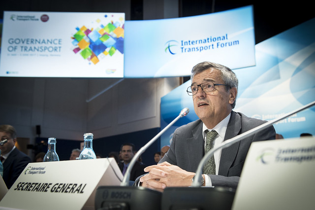 José Viegas addressing the ministerial