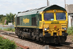 66552 Maltby Raider (uktrainpics) Tags: 66552 maltby raider class 66 nacton near derby road