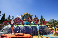 Under The Sea... (Ring of Fire Hot Sauce 1) Tags: shanghaidisneyland crystalgrotto littlemermaid ariel fountain