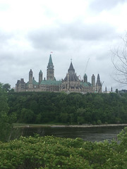 untitled-1651.jpg (Jeff Summers) Tags: creativeframing parliamentbuildings river ottawa