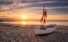 Schön (Stefan Sellmer) Tags: skyporn outdoor beach sunshine sunset kalifornien balticcoast seascape germany mood boat beachlife balticsea wow seaside schönberg schleswigholstein deutschland de