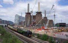 Battersea Steam Power (McTumshie) Tags: 20170616 60163 a1class batterseapowerstation belmondbritishpullman lner london tornado construction crane development locomotive railtour railway steam england unitedkingdom