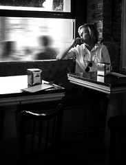 REFLEXIONES A CONTRALUZ (oskarRLS) Tags: reflesiones thinking soletude bn soledad thouths pensamientos street calle