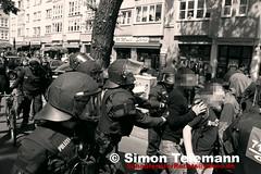 112 (SchaufensterRechts) Tags: identitärenbewegung berlin deutschland asylpolitik antifa afd bachmann pegida dresden demo demonstration gewalt neonazis rassismus repression polizei ifs solidarität bürgerbewegung nazifrei halle jn kaltland